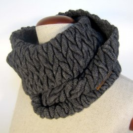 Braided infinity scarf -color variation –