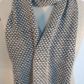 Patterned scarf -num 2- color variation –