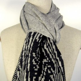 Patterned tips Scarf
